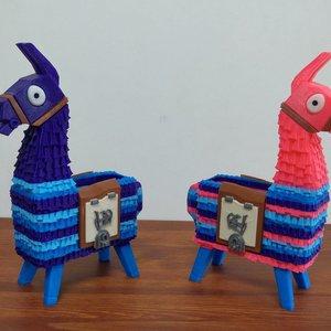 Fortnite Llama Lootbox Piñata desk organizer picture