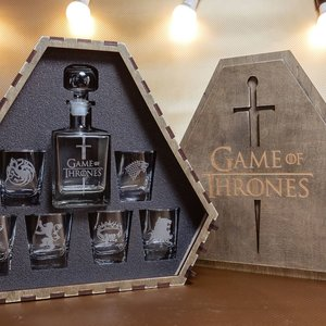 Game of Thrones Whiskey Decanter Set picture