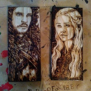 Hand Burned Jon Snow and Khaleesi picture