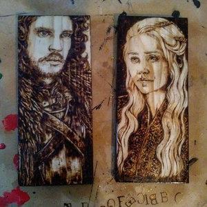 Hand Burned Jon Snow and Khaleesi picture