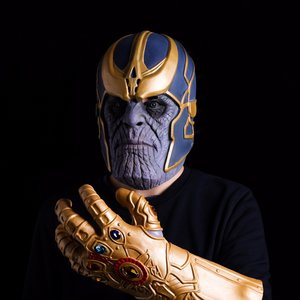 Mask and glove of Thanos from Infinity Wars picture