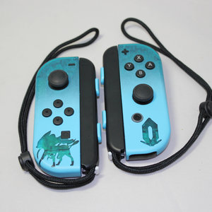 Pokemon Crystal, Suicune Edition - Custom Joy-Con picture