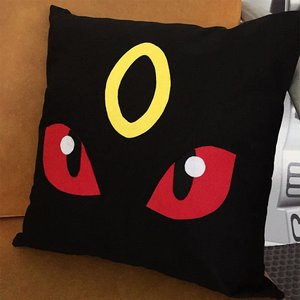 Pokemon Umbreon pillow picture