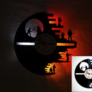 Star Wars clock and LED light picture